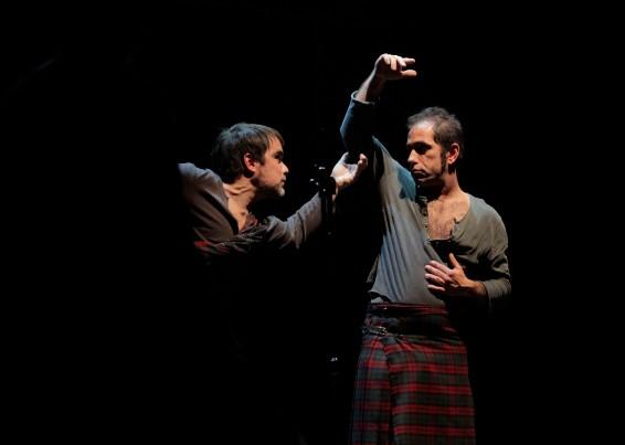 Momento de la obra Hamlet, de la Compañía Chapitô, en Lisboa, 2014.